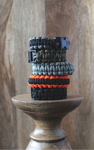 Teenage Boys Get Creative – Paracord Bracelets