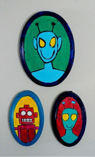 Robot and alien portrait painting project. Awesome art projects for kids and other creative people • Artchoo.com
