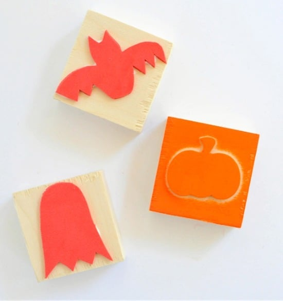 DIY Halloween stamps • Artchoo.com