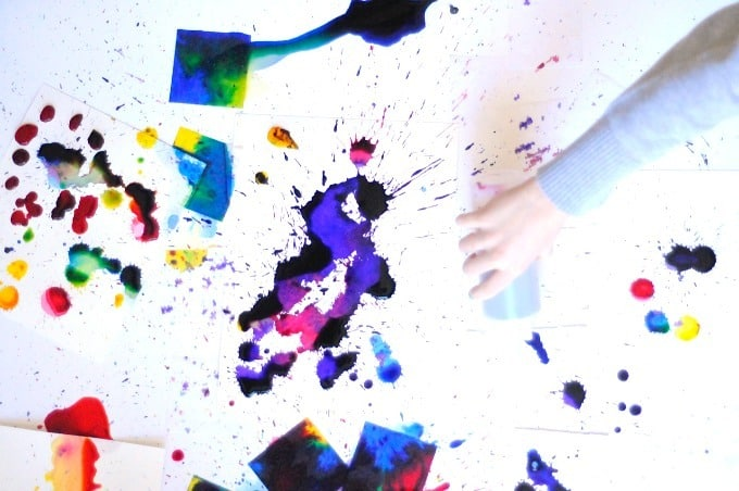 squirting paint- process watercolor painting • Artchoo.com