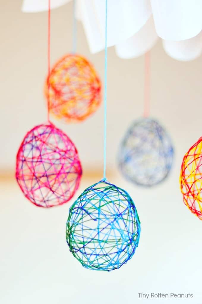 string easter eggs craft from Tiny Rotten Peanuts