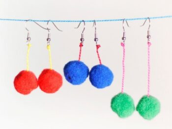 pom pom earrings project from Artchoo.com