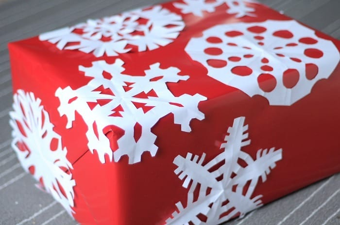 snowflakesonwrappingpaper