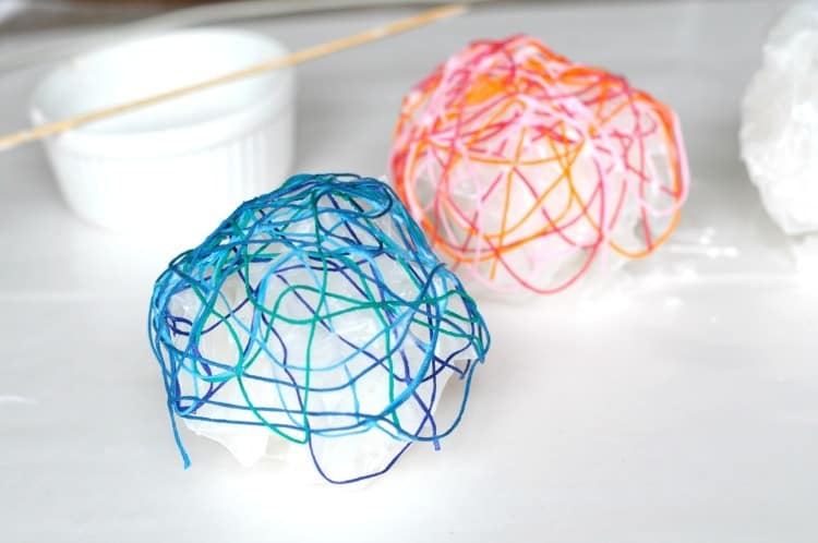 String DIY mini bowls