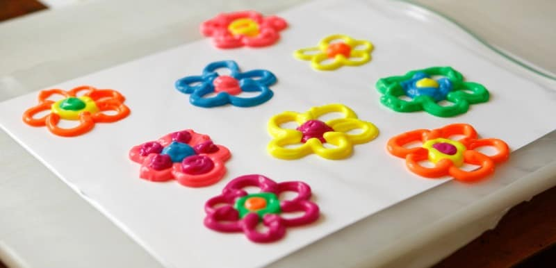 FLower puffy paint window clings - tips on how to make them
