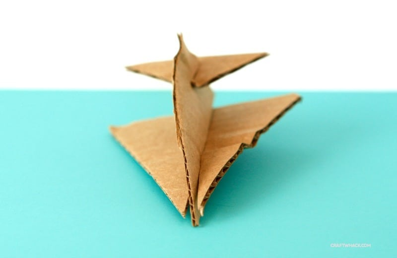 Make some cute easy little cardboard airplanes - easy craft for kids
