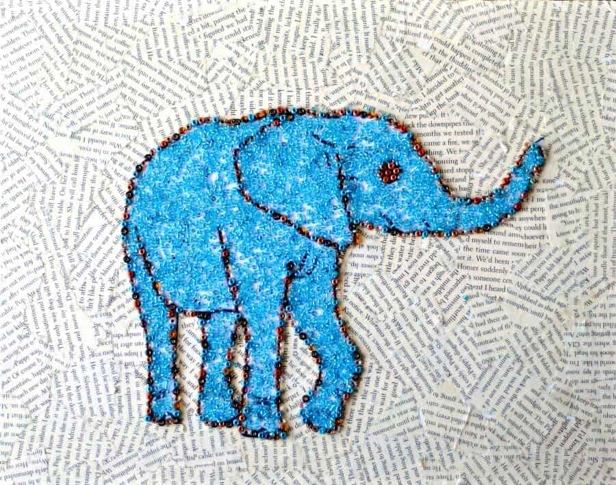 Beaded DIY animal art - click through for the tutorial- it's super easy to make